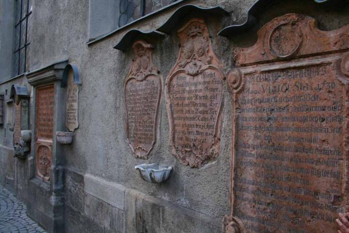 Inschriften am Alten Peter