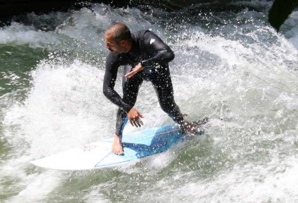Eisbach-Surfer Englischer Garten