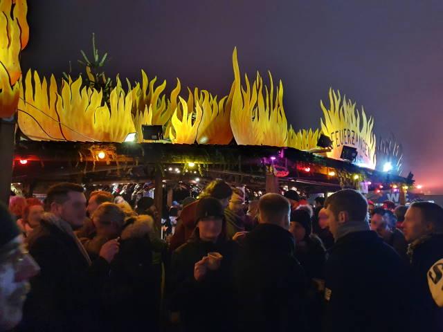 Feiern mit Feuerzangenbowle